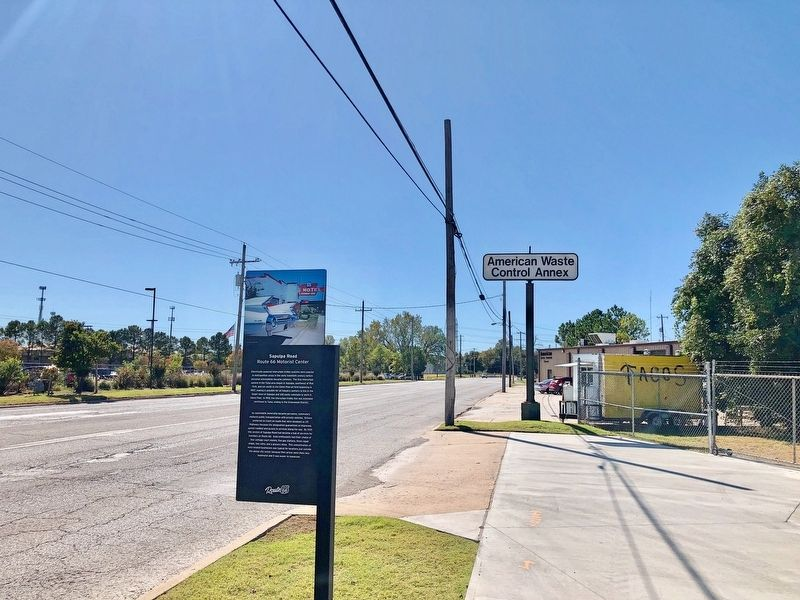 Sapulpa Road Marker looking south on Southwest Boulevard. image. Click for full size.
