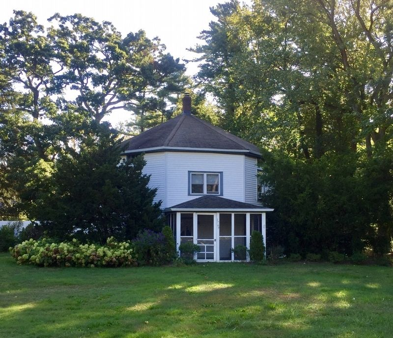 1859 Dame House Marker - wide view, with octagon house on the left image. Click for full size.