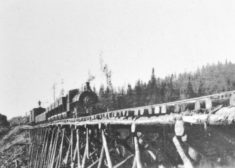 Marker detail: Support Structure at Lac Long, July 1910 image. Click for full size.