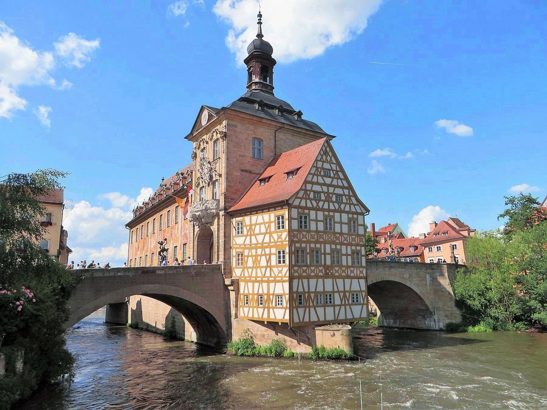 <i>Altes Rathaus in Bamberg</i> image. Click for full size.