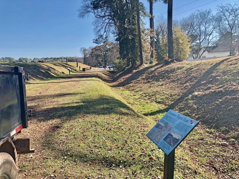 View south from marker, along Allatoona Pass trail, towards parking lot. image. Click for full size.