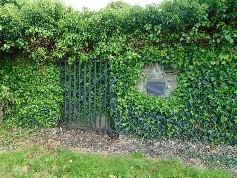Celbridge Union Workhouse Cemetery Gate and Marker image. Click for full size.