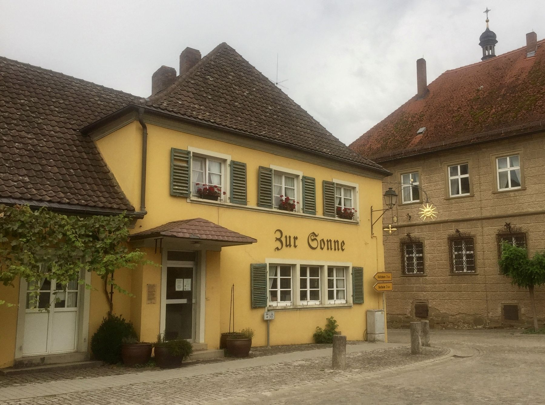 "Gasthaus ""Zur Sonne"" / Inn ""at the Sun"" - another view image. Click for full size."