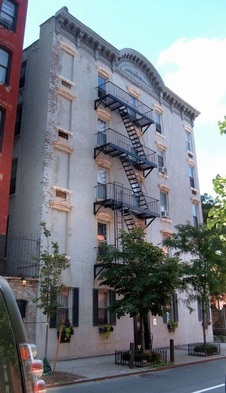 304 West 10th Street image. Click for full size.