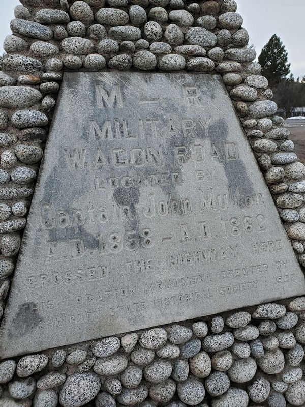 M-R Military Wagon Road Marker image. Click for full size.