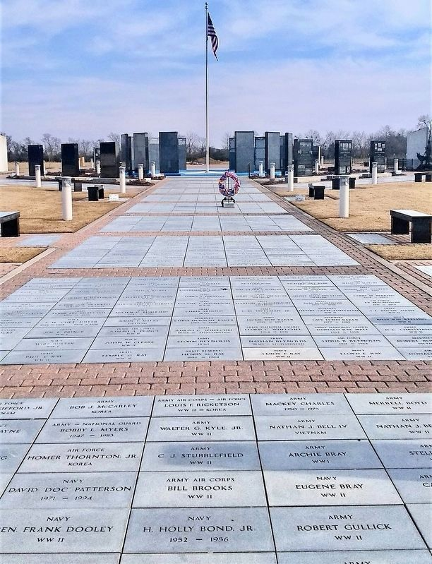 Korean War Marker behind the Ring of Honor in back left. image. Click for full size.