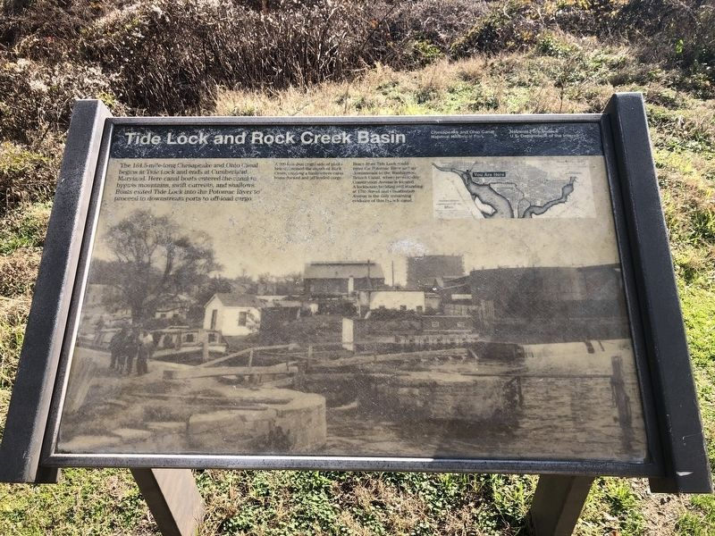 Tide Lock and Rock Creek Basin Marker image. Click for full size.