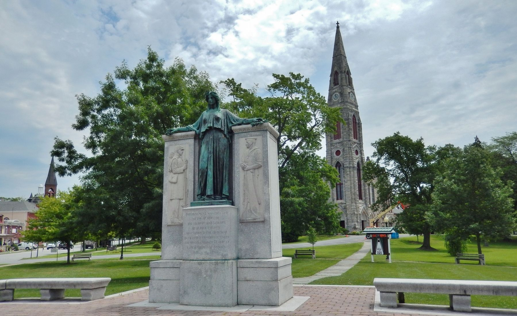 Charles J. Everett Memorial • <i>wide view<br>(First Presbyterian Church in background)</i> image. Click for full size.