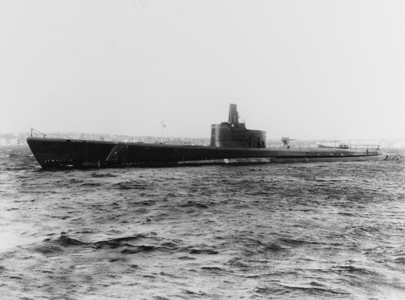 The U.S. Navy submarine USS <i>Growler</i> (SS-215) image. Click for full size.