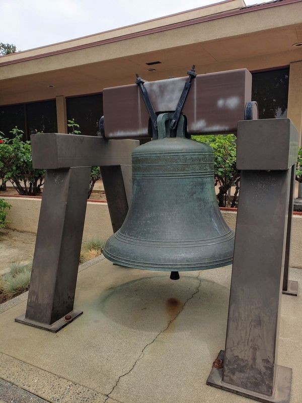 La Verne Bicentennial Liberty Bell image. Click for full size.
