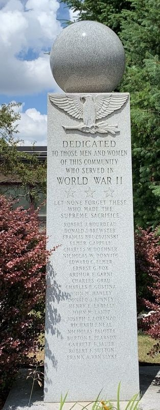 Lyncourt World War II Memorial image. Click for full size.