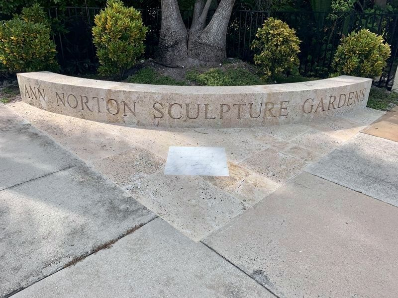 Ann Norton Sculpture Gardens image. Click for full size.