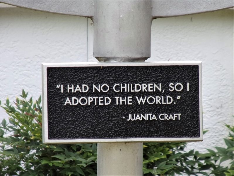 Additional Juanita Craft House sign image. Click for full size.