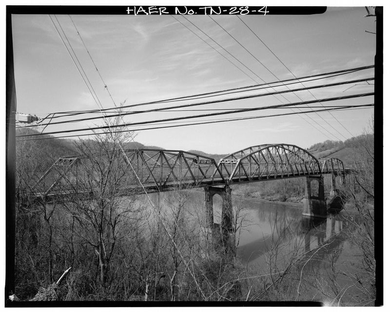 The Austin Peay Bridge image. Click for full size.