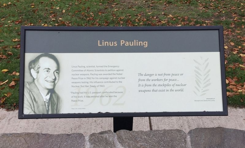 Linus Pauling (1962) Marker image. Click for full size.
