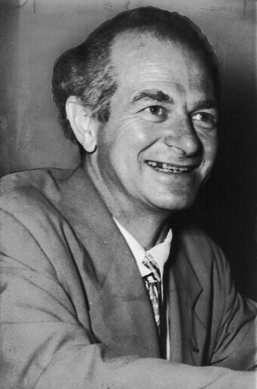 <i>Linus Pauling</i> (same photo as on the marker) image. Click for full size.