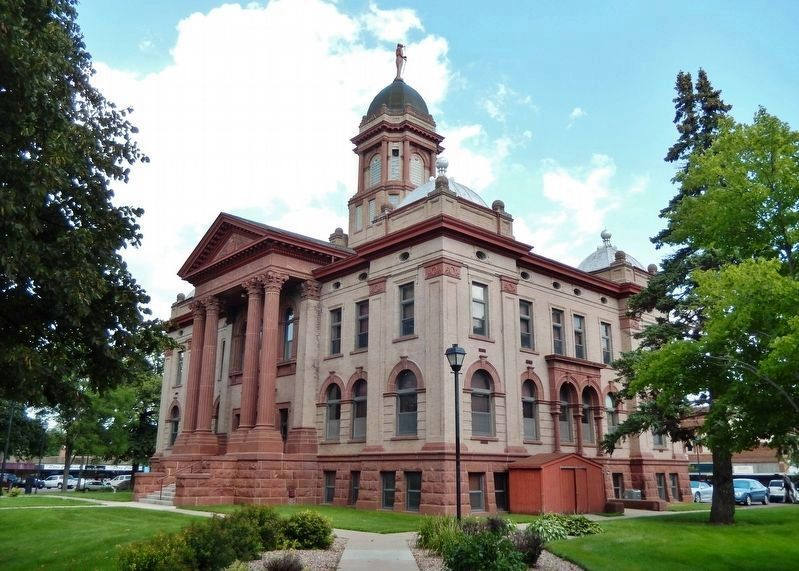 Cottonwood County Courthouse (<i>southwest elevation</i>) image. Click for full size.