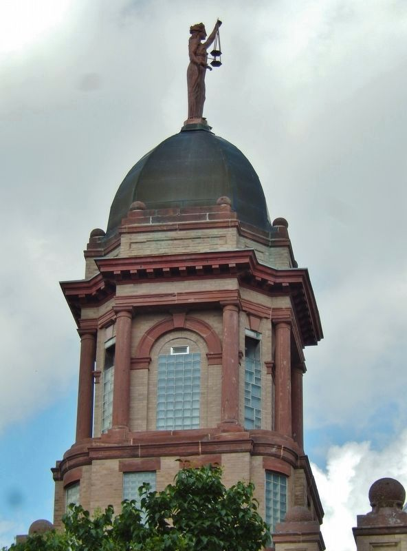 Cottonwood County Courthouse Dome image. Click for full size.