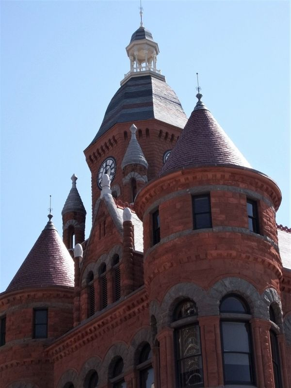 Old Red Courthouse image. Click for full size.