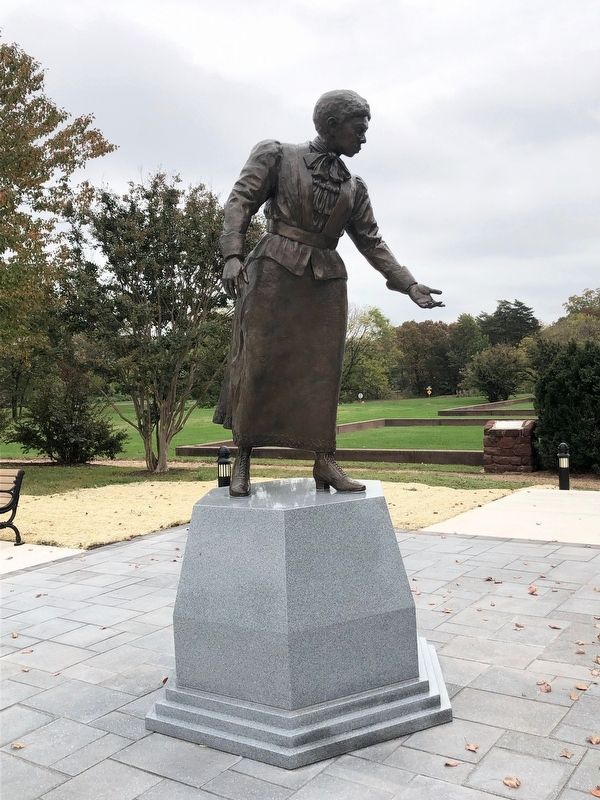 Statue of Jennie Dean on the grounds of the school image. Click for full size.