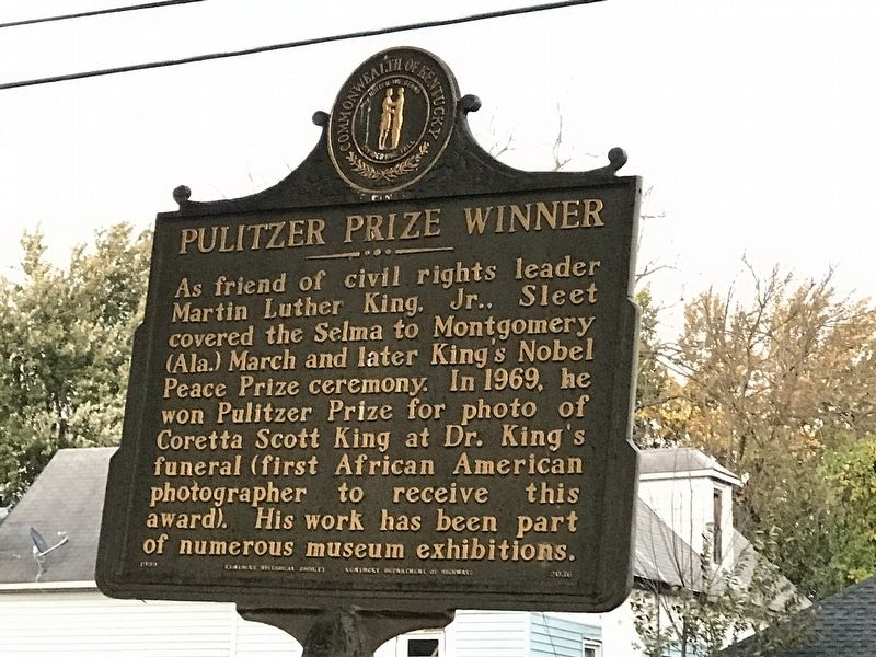 Pulitzer Prize Winner Marker image. Click for full size.
