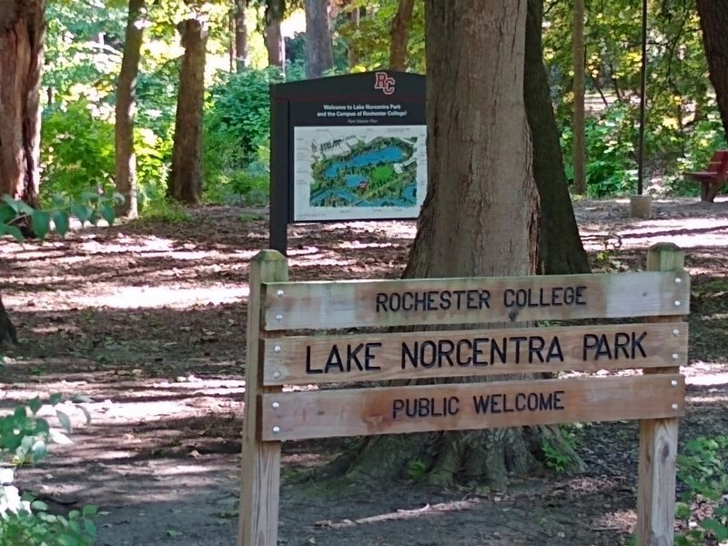 Lake Norcentra Park Sign image. Click for full size.