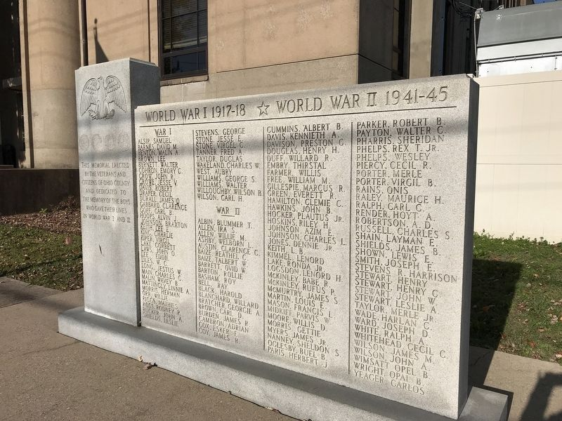Ohio County World Wars Memorial image. Click for full size.