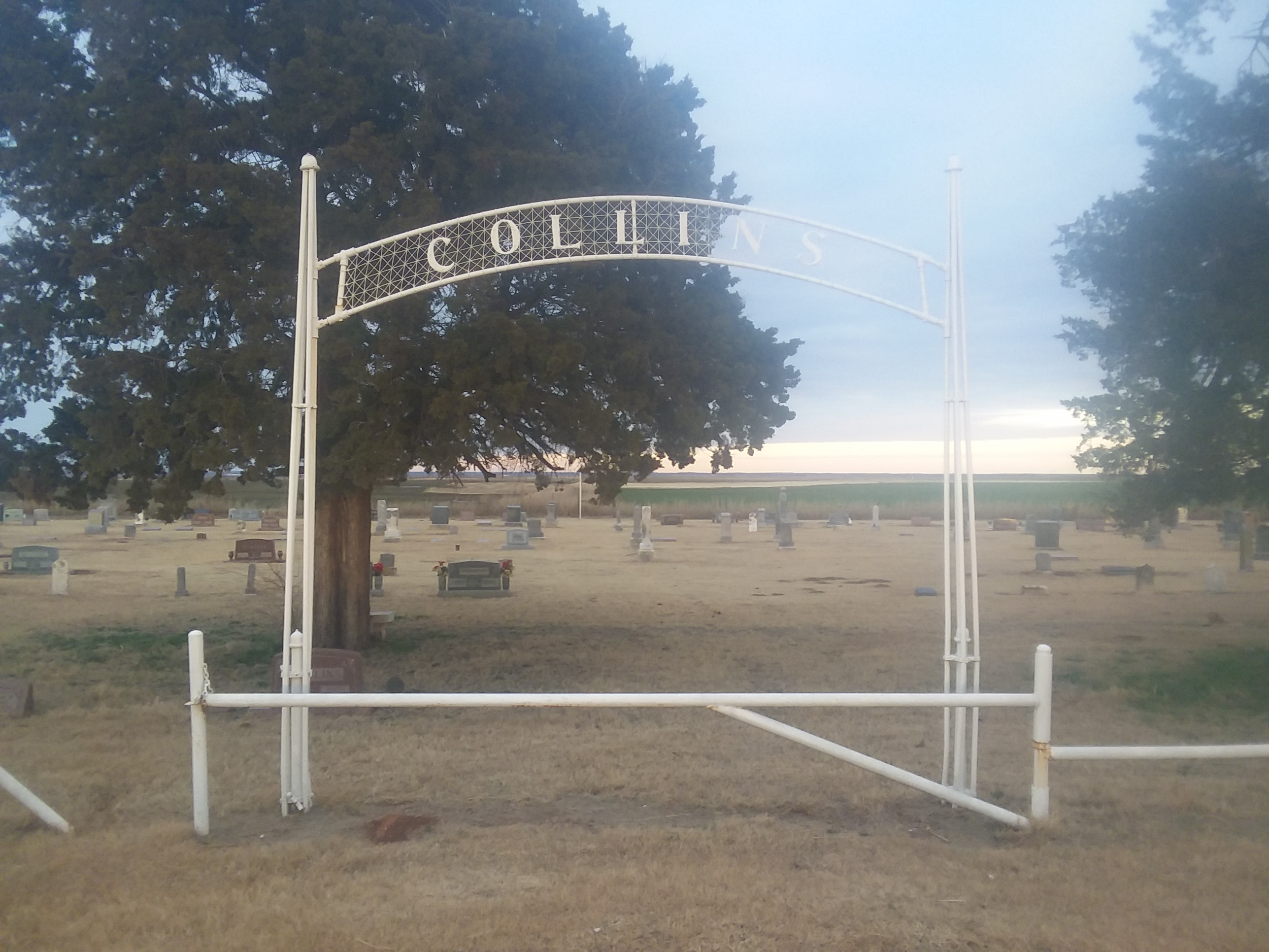 Entry gate to Collins Cemetery