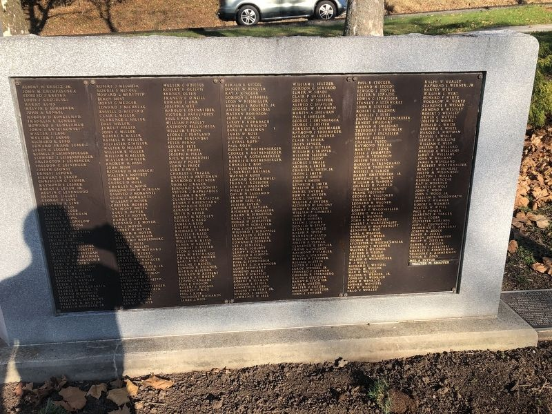 World War II Victory Marker image. Click for full size.