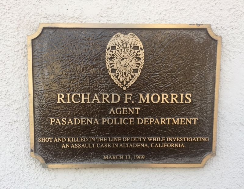 Richard Morris Memorial Plaque image. Click for full size.