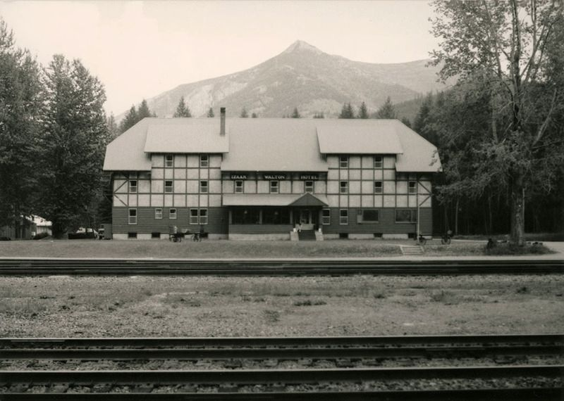 Izaak Walton Inn image. Click for full size.