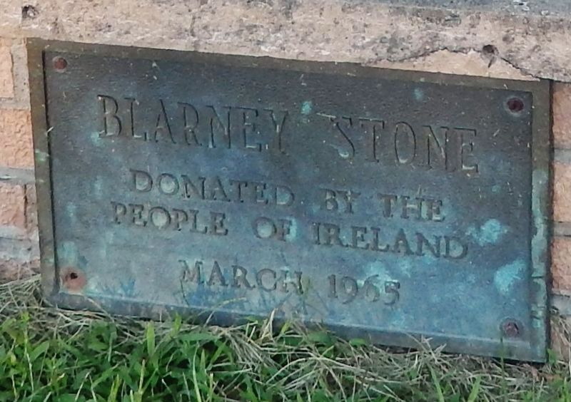 Blarney Stone plaque (<i>at bottom of monument</i>) image. Click for full size.