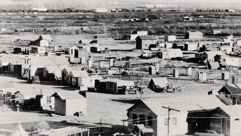 Fort Peck boomtown image. Click for full size.