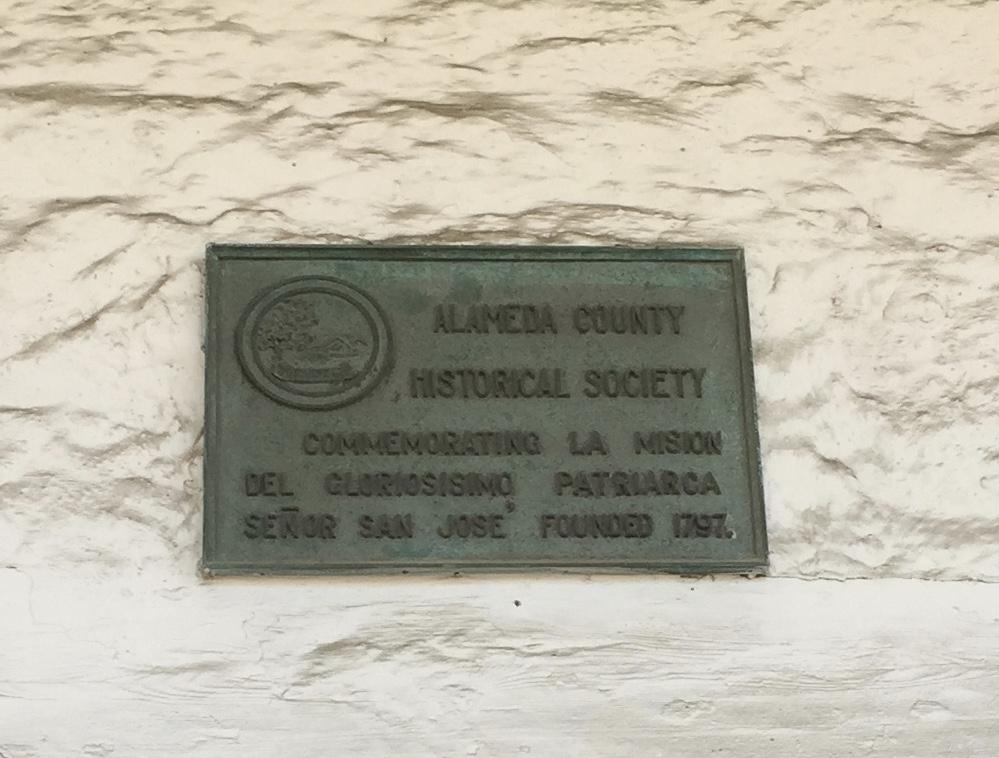 Alameda Historical Society plaque commemorating the founding of Mission San Jose