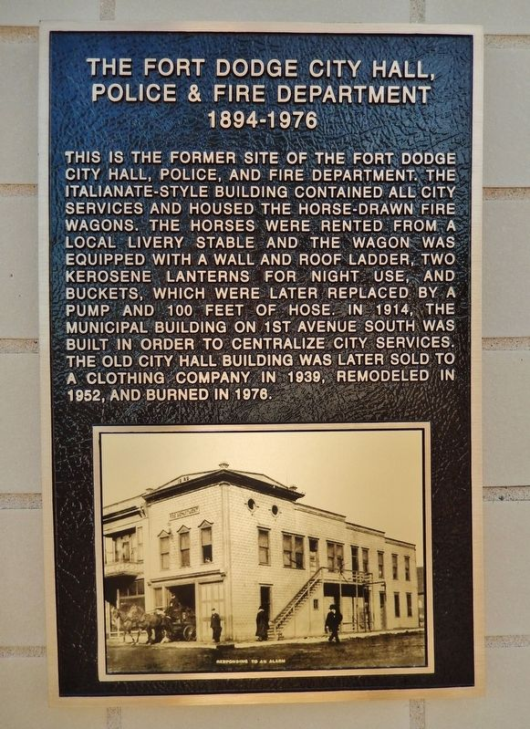 Fort Dodge City Hall, Police & Fire Department Marker image. Click for full size.