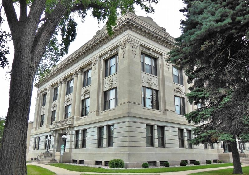 Grand Forks County Courthouse (<i>northeast corner</i>) image. Click for full size.
