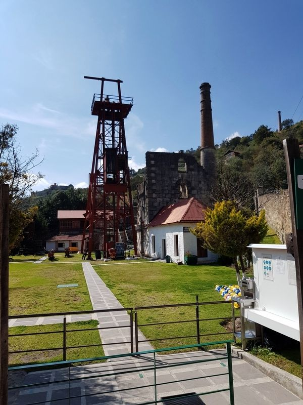 The Acosta Mine Elevator and Chimney image. Click for full size.