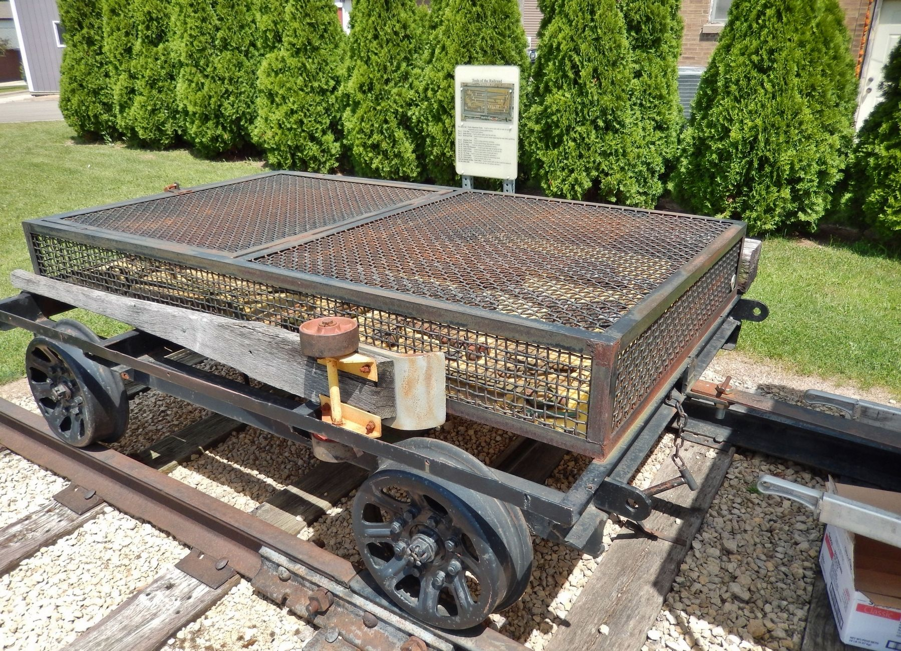 Railroad Tool Trailer image. Click for full size.