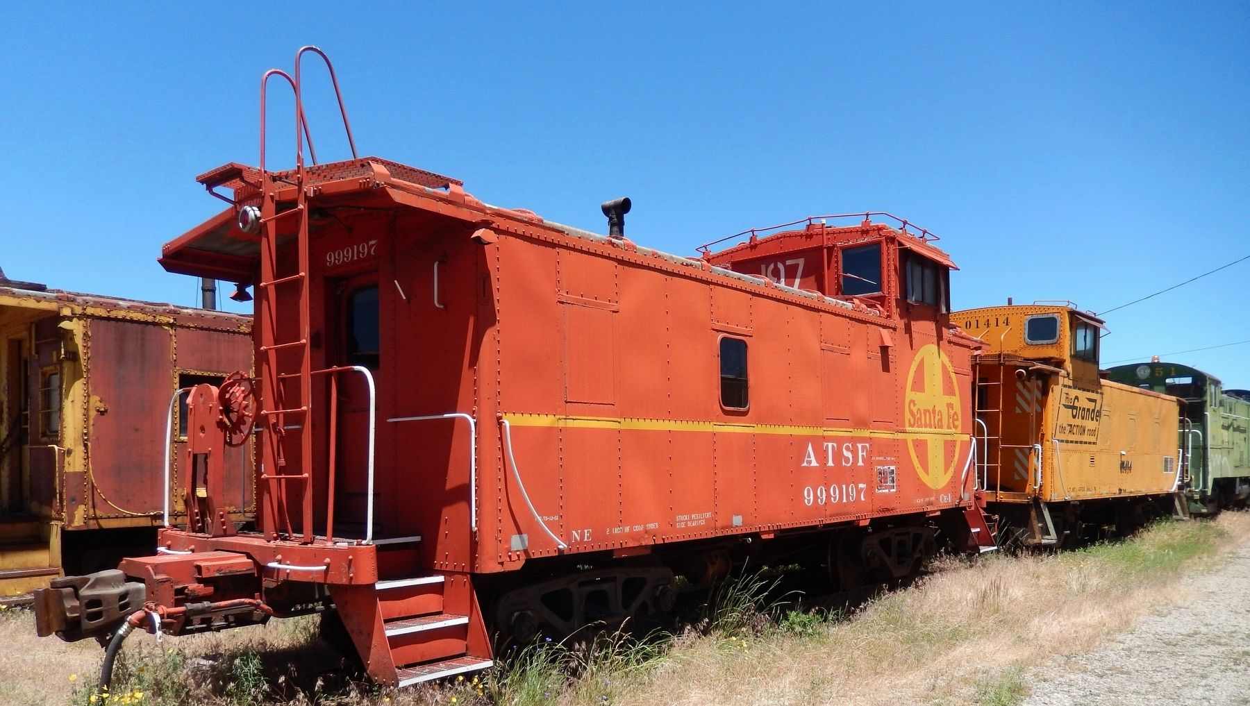Atchison, Topeka & Santa Fe Caboose #999197 image. Click for full size.