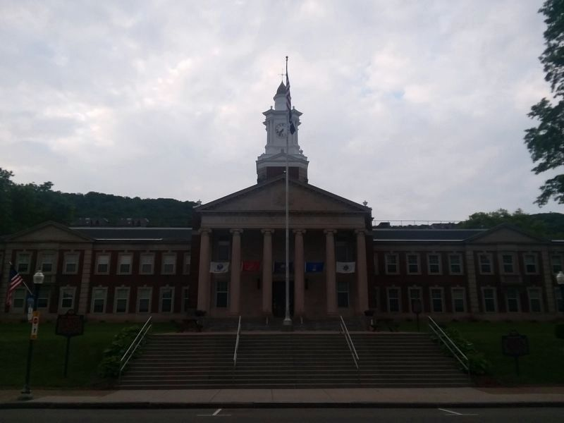 McKean County Courthouse image. Click for full size.