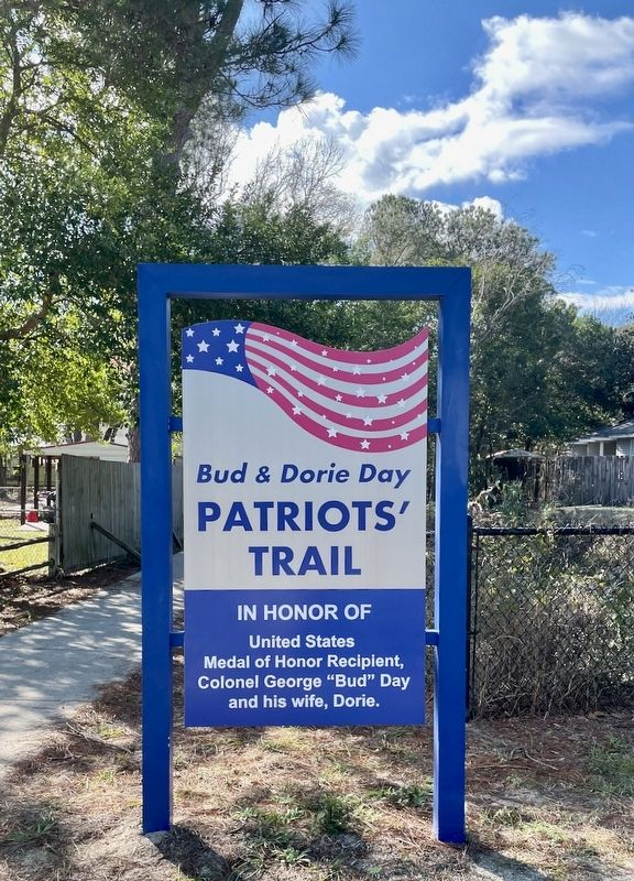 Bud & Dorie Day Patriots' Trail image. Click for full size.