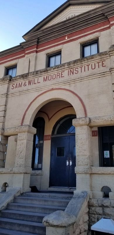 Front entrance to the Sam and Will Moore Institute image. Click for full size.