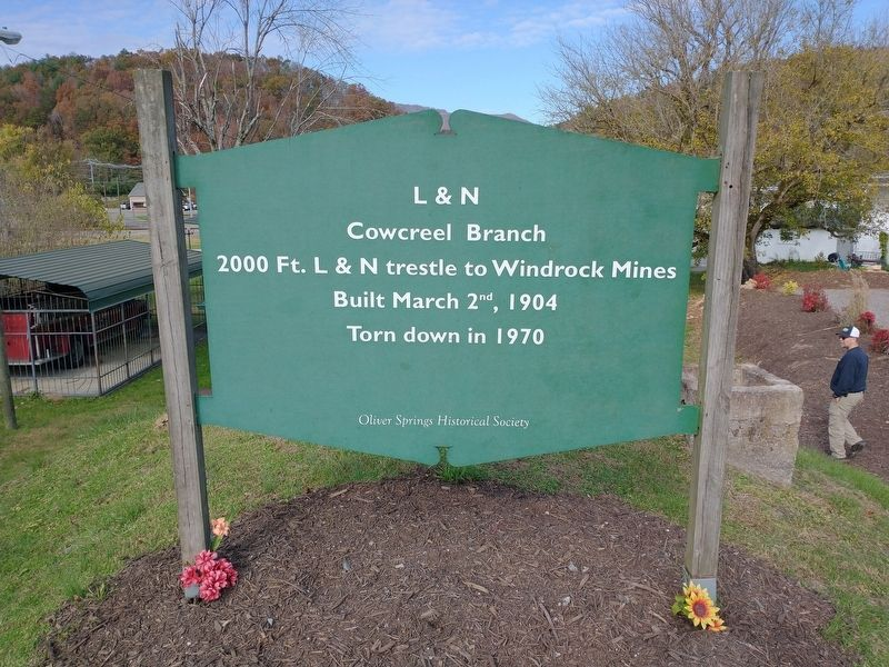 L&N Cowcreel Branch Marker image. Click for full size.