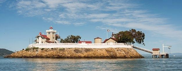 Panoramic view of East Brother Island Light Station image. Click for full size.