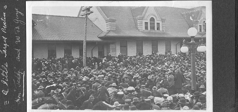 Teddy Roosevelt Speaking to the Crowd in Front of Union Station image. Click for full size.