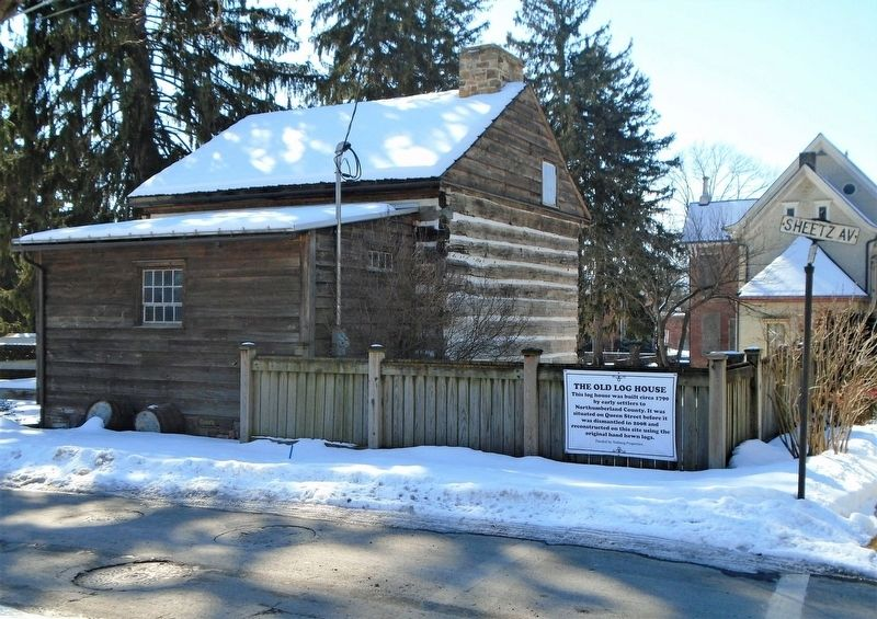 The Old Log House and Marker image. Click for full size.