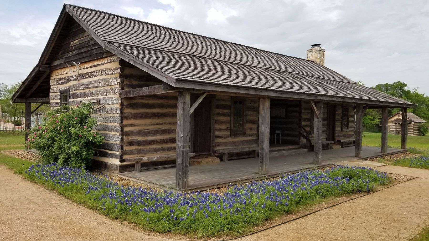 Side view of the Turner-Peters Log Cabin image. Click for full size.