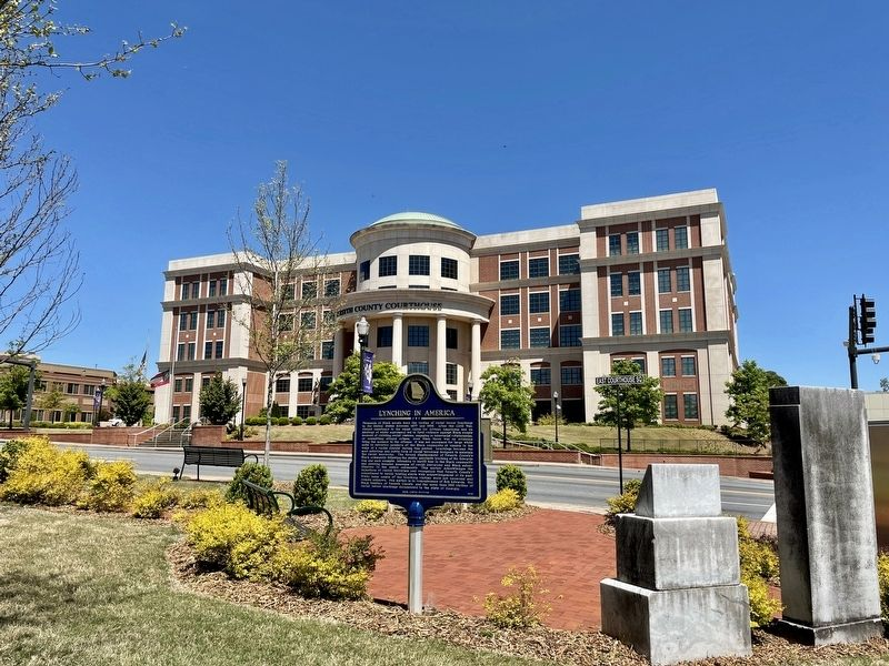 View from marker of the Forsyth County Courthouse. image. Click for full size.