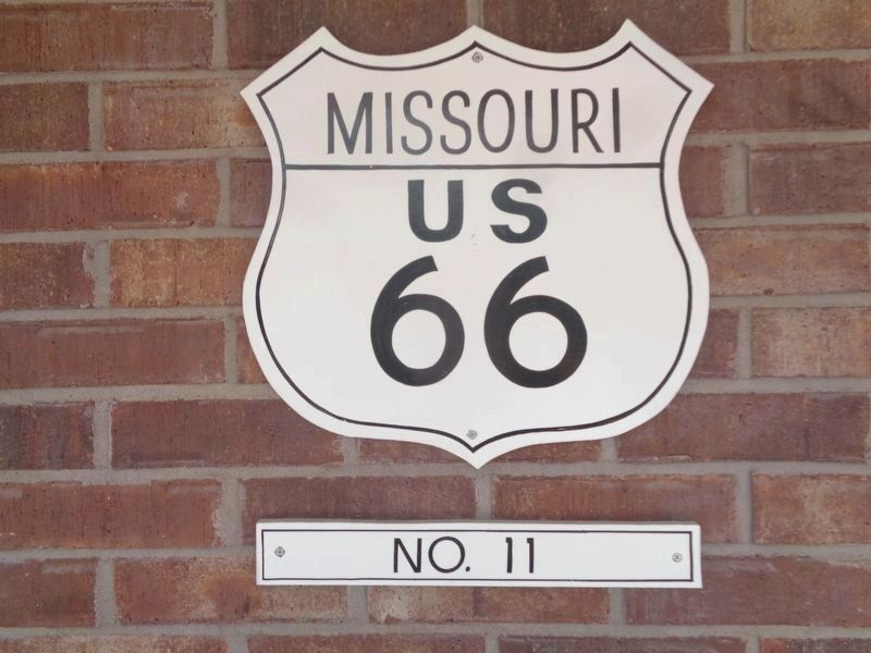 Marker #11 and Route 66 shield near the marker image. Click for full size.