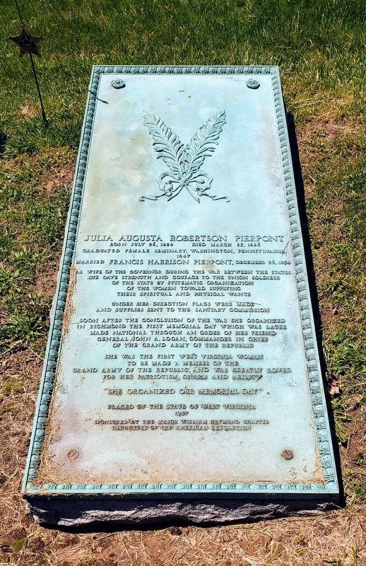Grave of Julia Augusta Robertson Pierpont image. Click for full size.